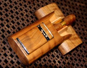 Brizard Cigar case curly walnut